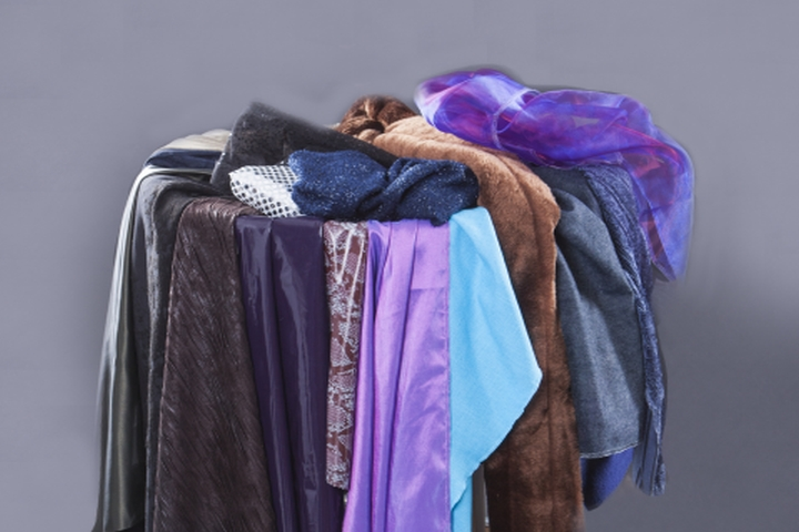 Stilberatung Stylistin Karin Krings: Farb- und Material-Tücher